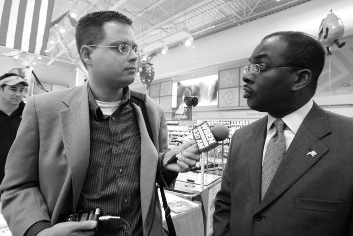 Steve with Mayor Brown. Photo by Harry Scull